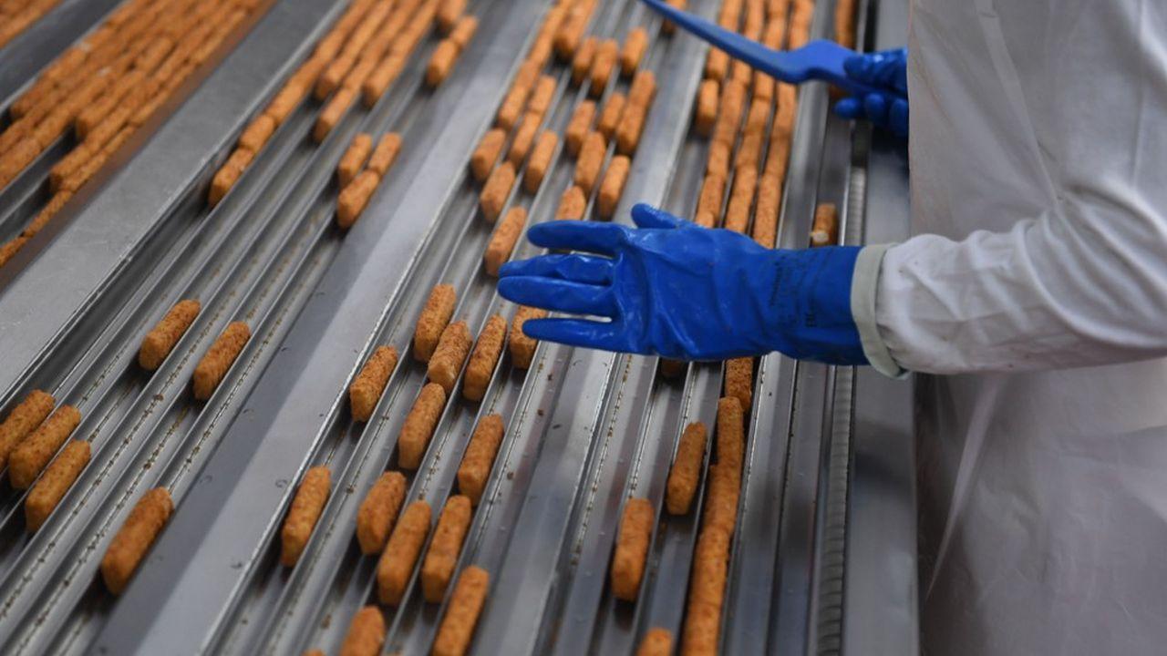 Chez Frosta, la production a progressé de 30% en deux semaines. Même les employés de bureau sont passés à la production