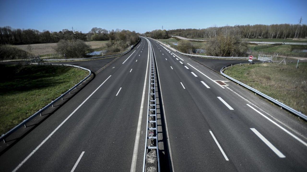 Alors que la plupart des Français ne se déplacent plus depuis le début du confinement, Des experts en assurance spécialisés en automobile notent une forte chute des sinistres.