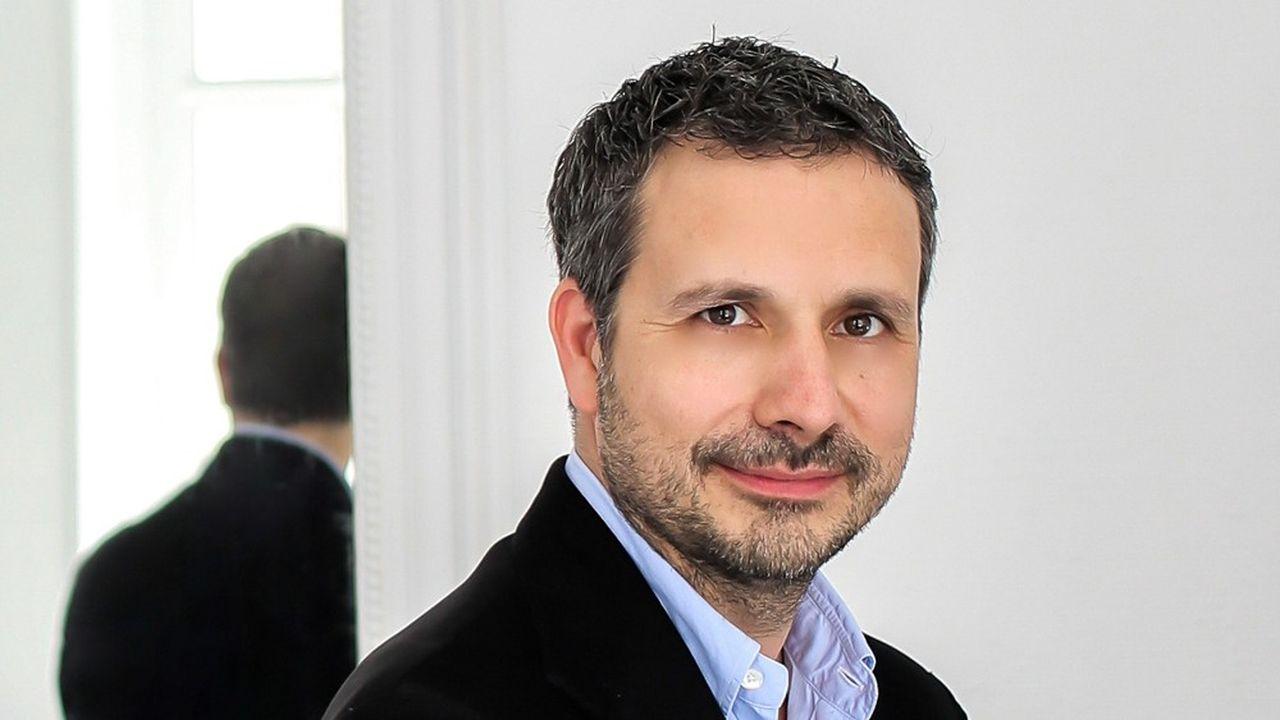 Julien Tchernia.