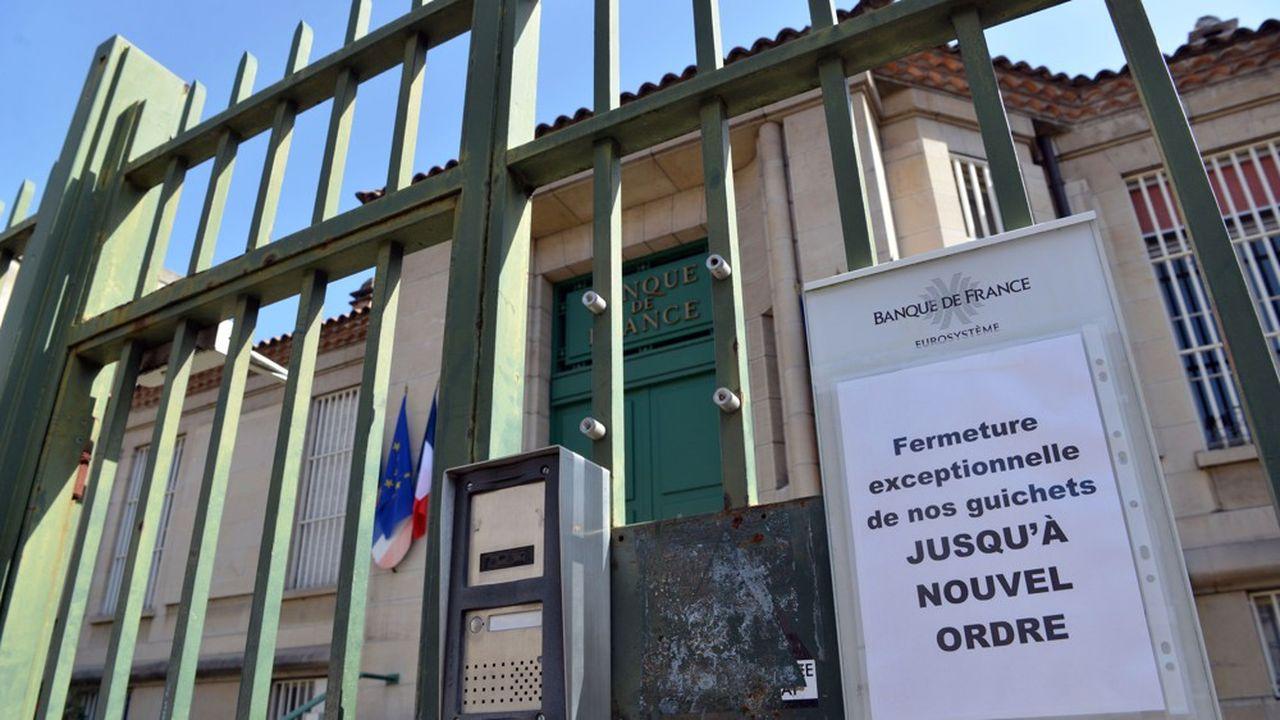 La banque de France ferme ses guichets au public jusqu'à nouvel ordre à cause du coronavirus.