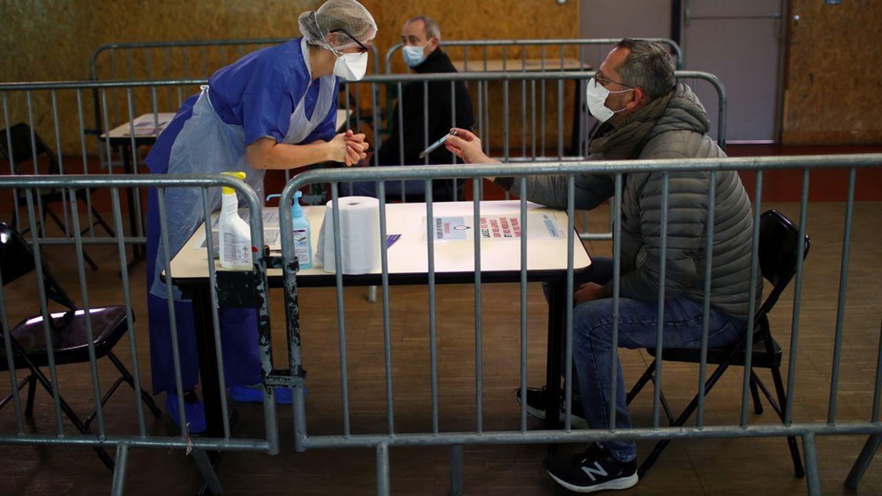 En partenariat avec les professionnels de santé, la commune de Taverny est parvenue à mettre sur pied un centre d'accueil pour recevoir et trier les particuliers présentant des symptômes du coronavirus