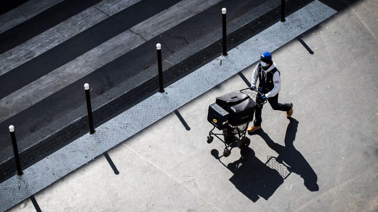 La Poste est l'entreprise française comportant le plus de salariés, soit 250.000 dont 220.000 salariés en France.
