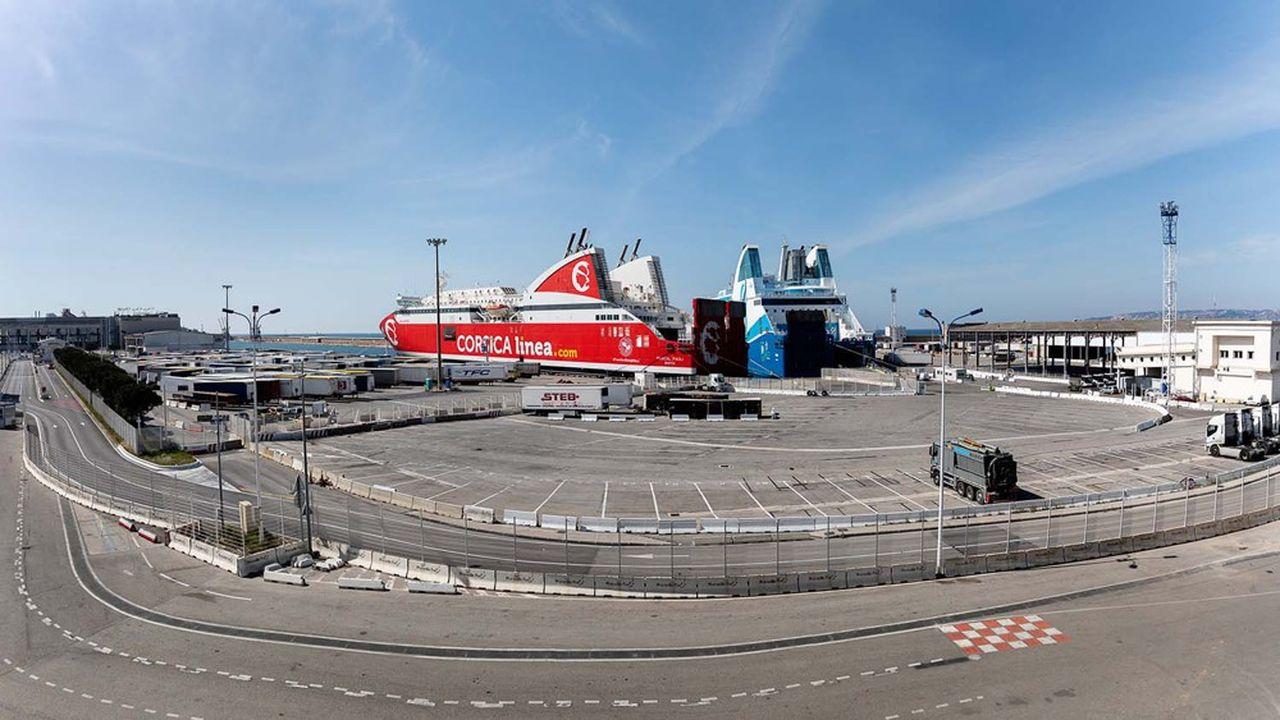 Les ferries du port de Marseille sont quasiment à l'arrêt pendant le confinement.