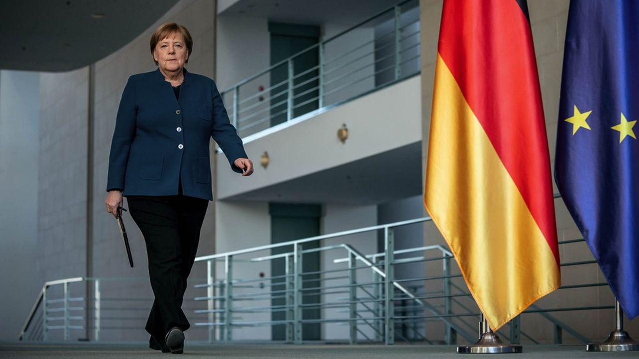 Angela Merkel a annoncé mercredi soir que la période de restriction de contacts sociaux entamée le 23mars était prolongée de quinze jours «au moins», jusqu'au 19avril.