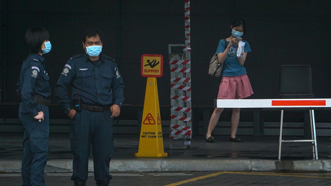 Coronavirus : Singapour enclenche 'le disjoncteur' et inquiète les autres capitales d'Asie