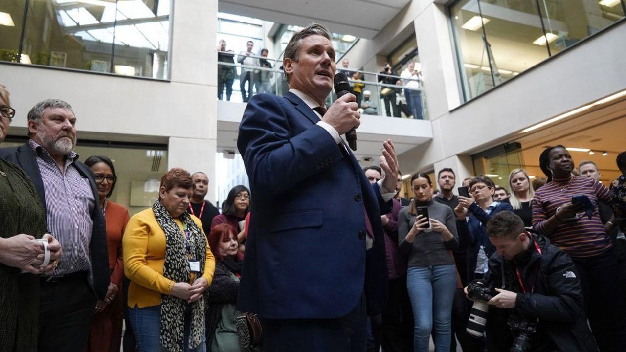 Le nouveau chef du Labour, Keir Starmer, s'adresse aux militants après son élection.