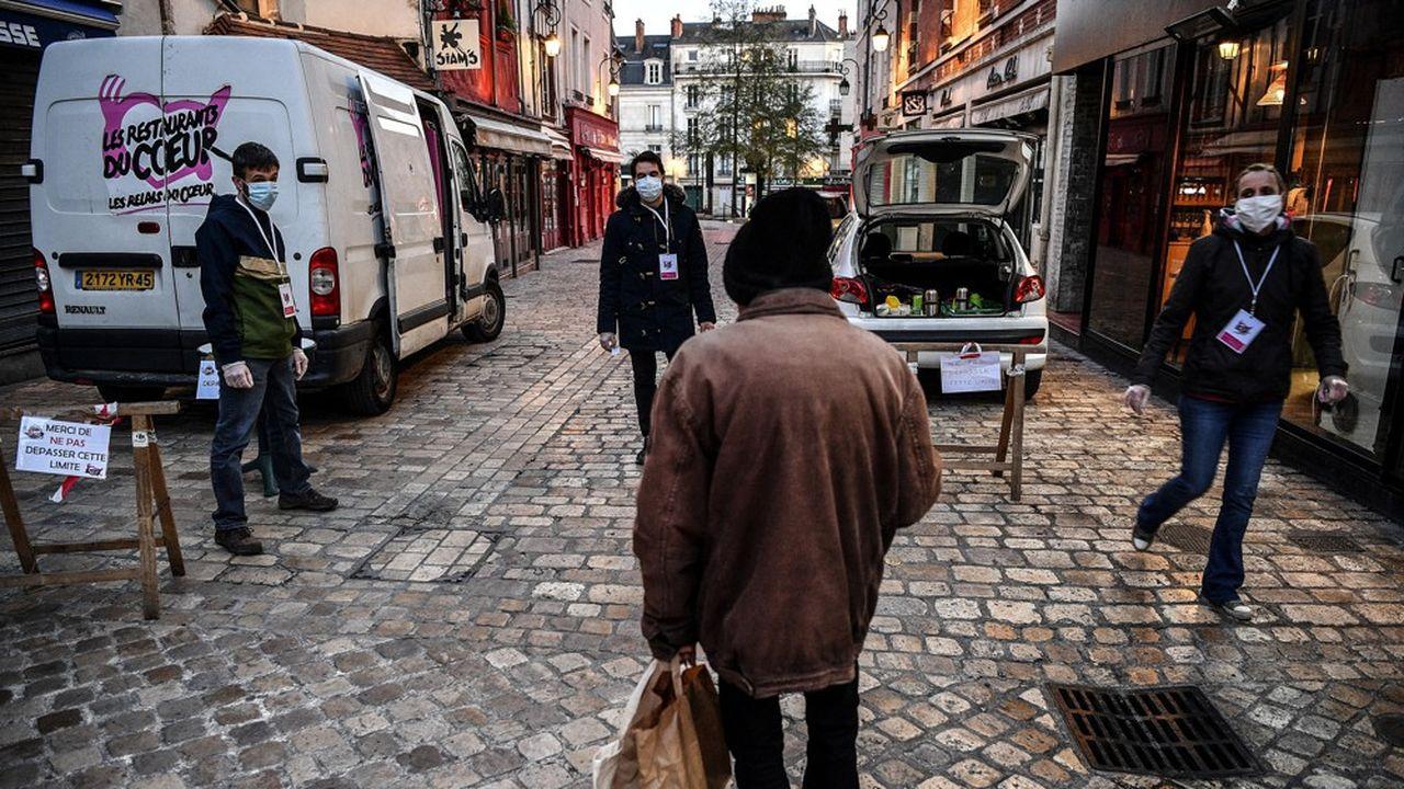 D'une valeur de 7euros par jour, des chèques-services pourront être utilisés directement dans les commerces par les personnes sans domicile ou les associations.