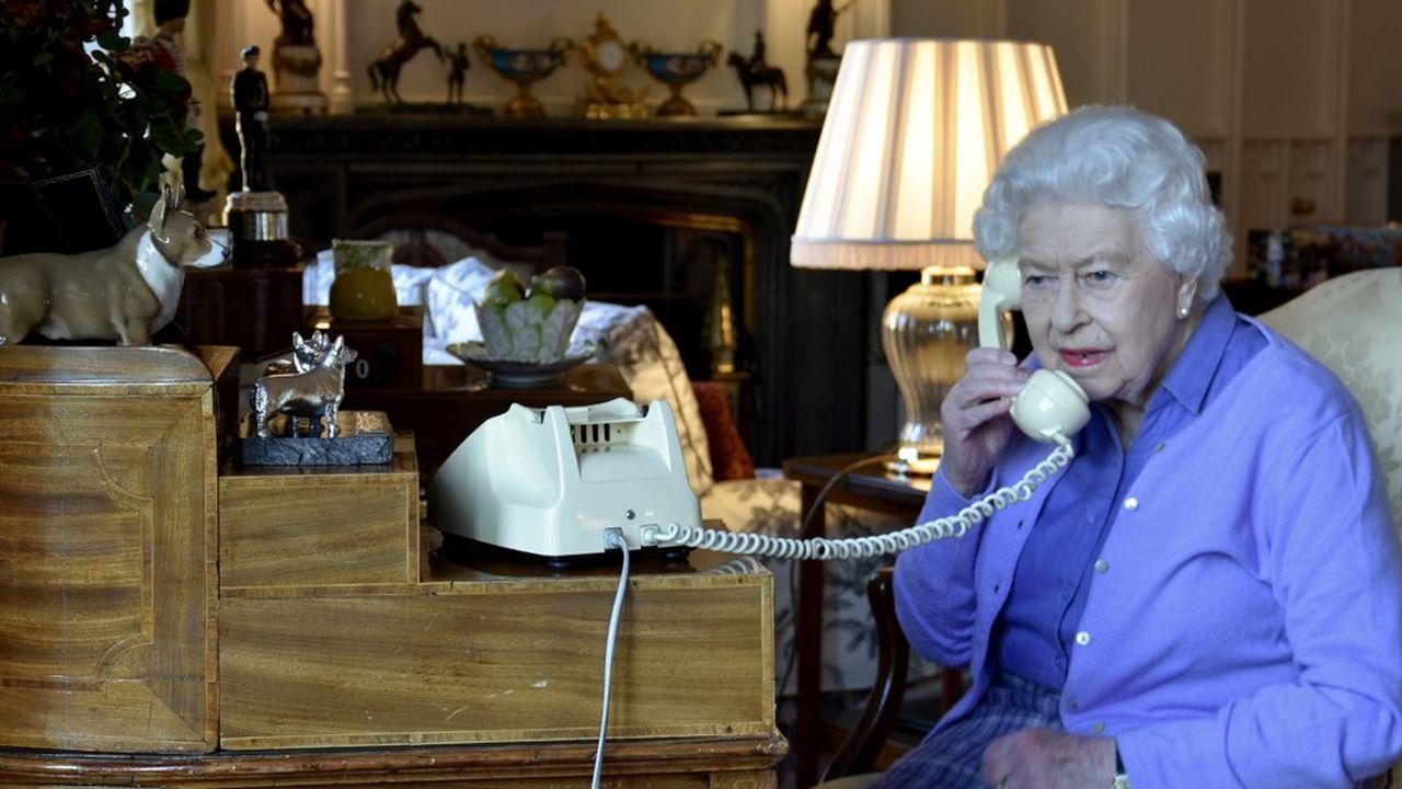 Le Moment de vérité - Coronavirus : l'allocution historique de la reine Elizabeth II
