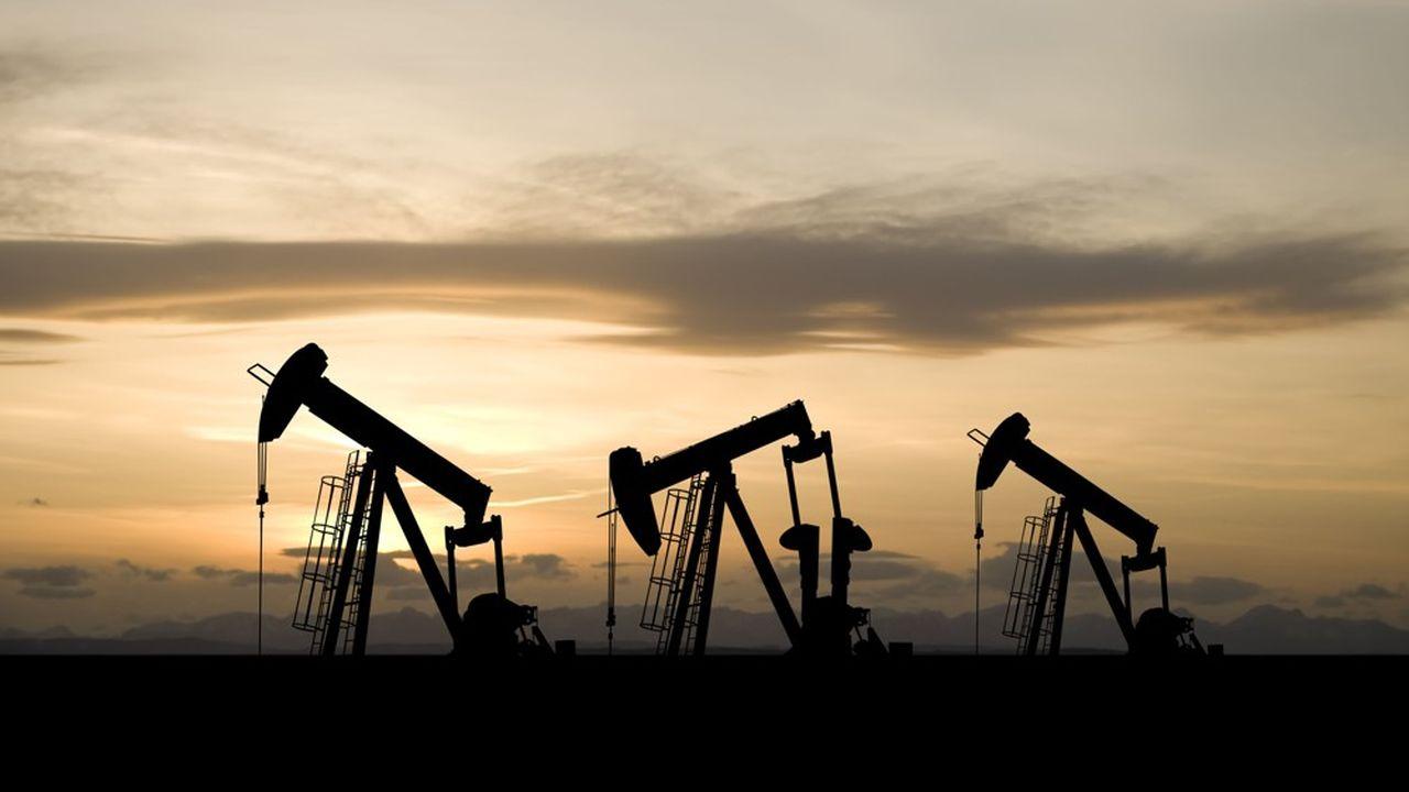 Un triple bras de fer est engagé entre Donald Trump, Vladimir Poutine et Mohammed Ben Salmane pour soutenir les cours du pétrole.