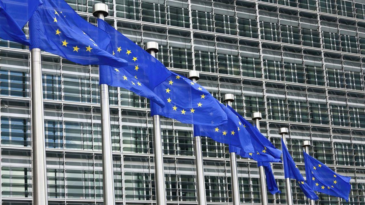 Sur le sol européen, 124 acquisitions d'investisseurs étrangers ont été lancées, point le plus bas là aussi depuis 2010.