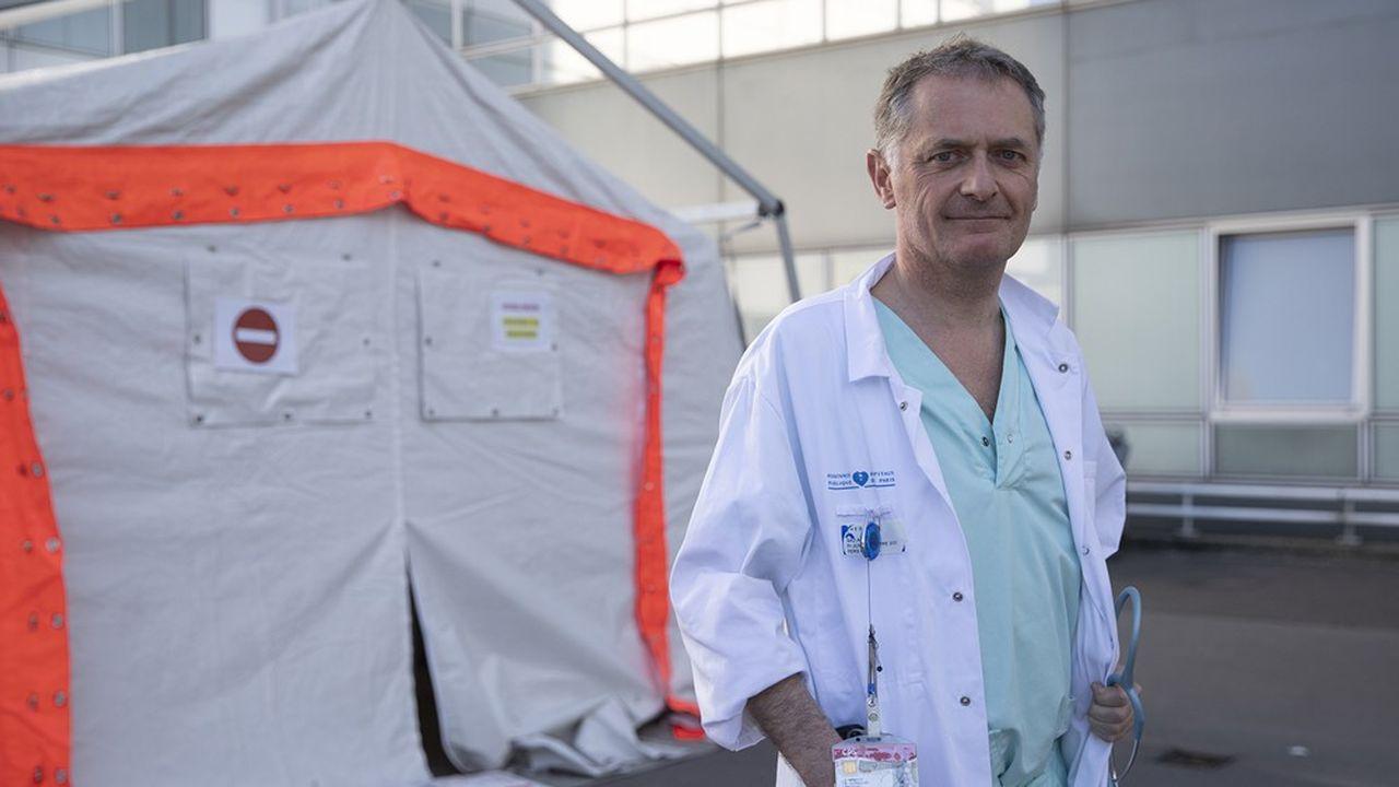 Le maire Philippe Juvin a mis en place un plan d'identification et d'aide des personnes les plus fragiles (Photo by Thomas SAMSON / AFP)