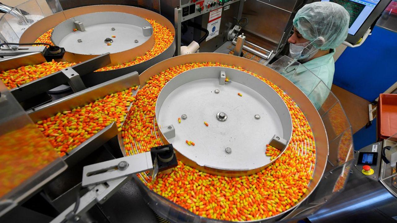Des médicaments sont produits dans la principale usine de l'entreprises Pierre Fabre à Gien. Le secteur pharmaceutique comme beaucoup d'autres, pourrait faire les frais de l'agressivité commerciale chinoise.