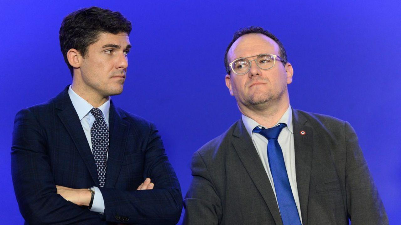 Damien Abad (à droite) souhaite avancer sur la voie du «tracking» quand Aurélien Pradié (à gauche) se dit «en colère de voir les politiques se jeter sur ce gadget».