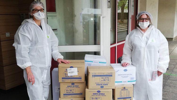 Des professionnels de santé équipés grâce aux équipements envoyés par le Groupe Butard Paris