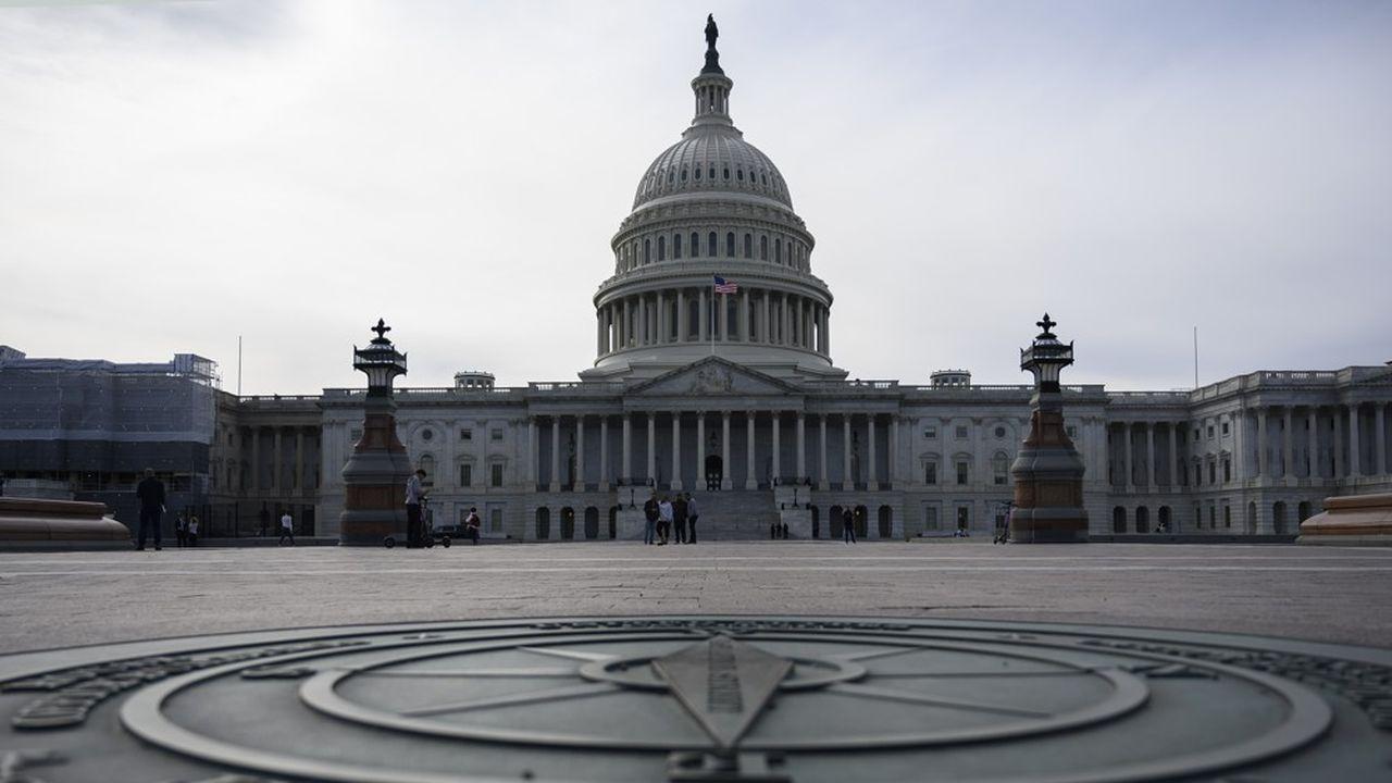 Pour être effective, la rallonge de 250milliards de dollars nécessitera l'accord du Sénat, majoritairement républicain, et de la Chambre des représentants, à majorité démocrate.