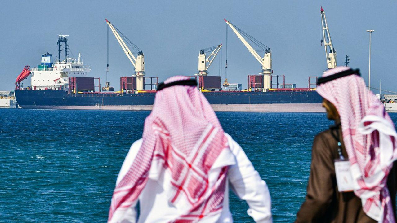 L'Arabie saoudite a porté sa production au niveau record de 12,3millions de barils par jour, surpassant la Russie.