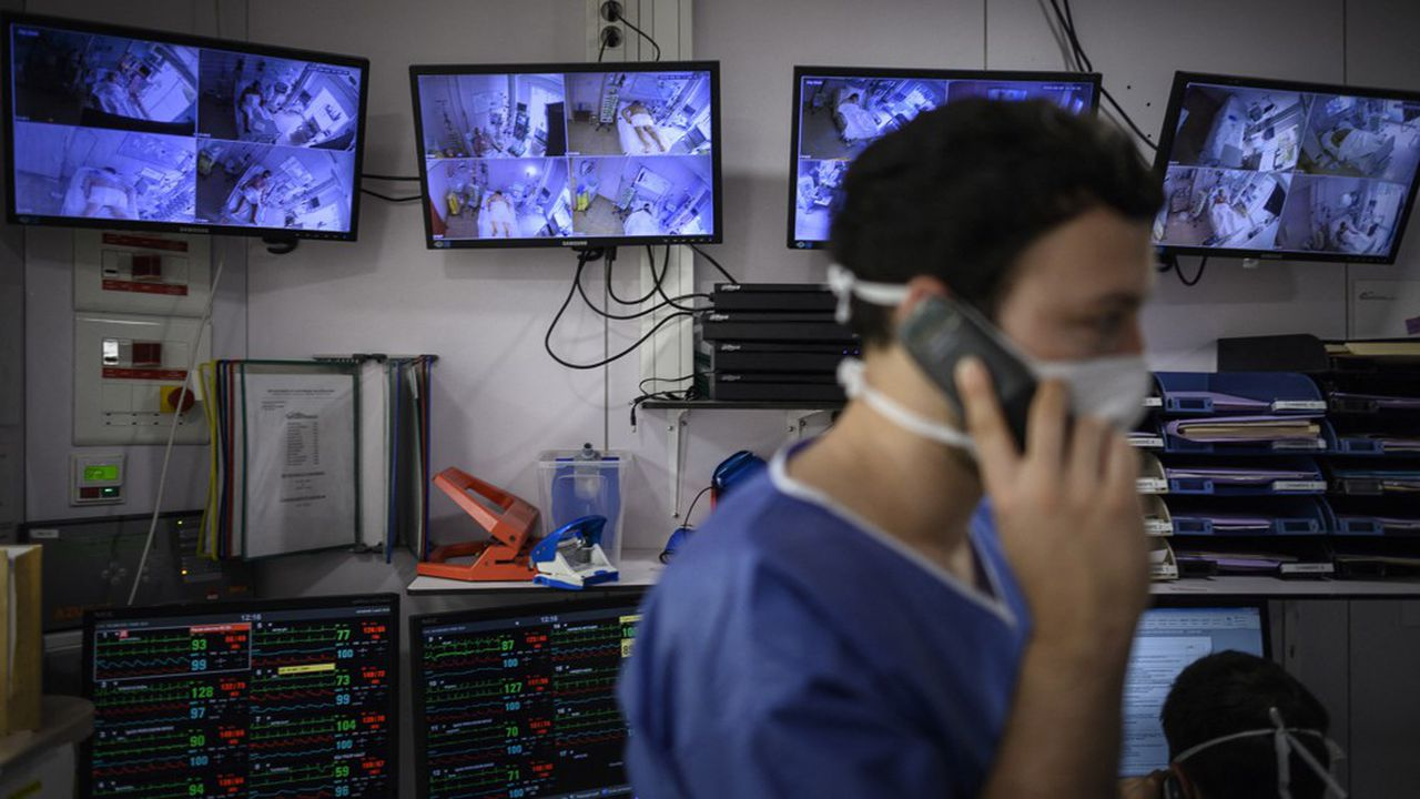 L'Assistance publique-Hôpitaux de Paris (AP-HP) s'inquiète de la perspective d'une «deuxième vague de patients atteints du Covid-19 venant des Ehpad ou des lieux d'incarcération».