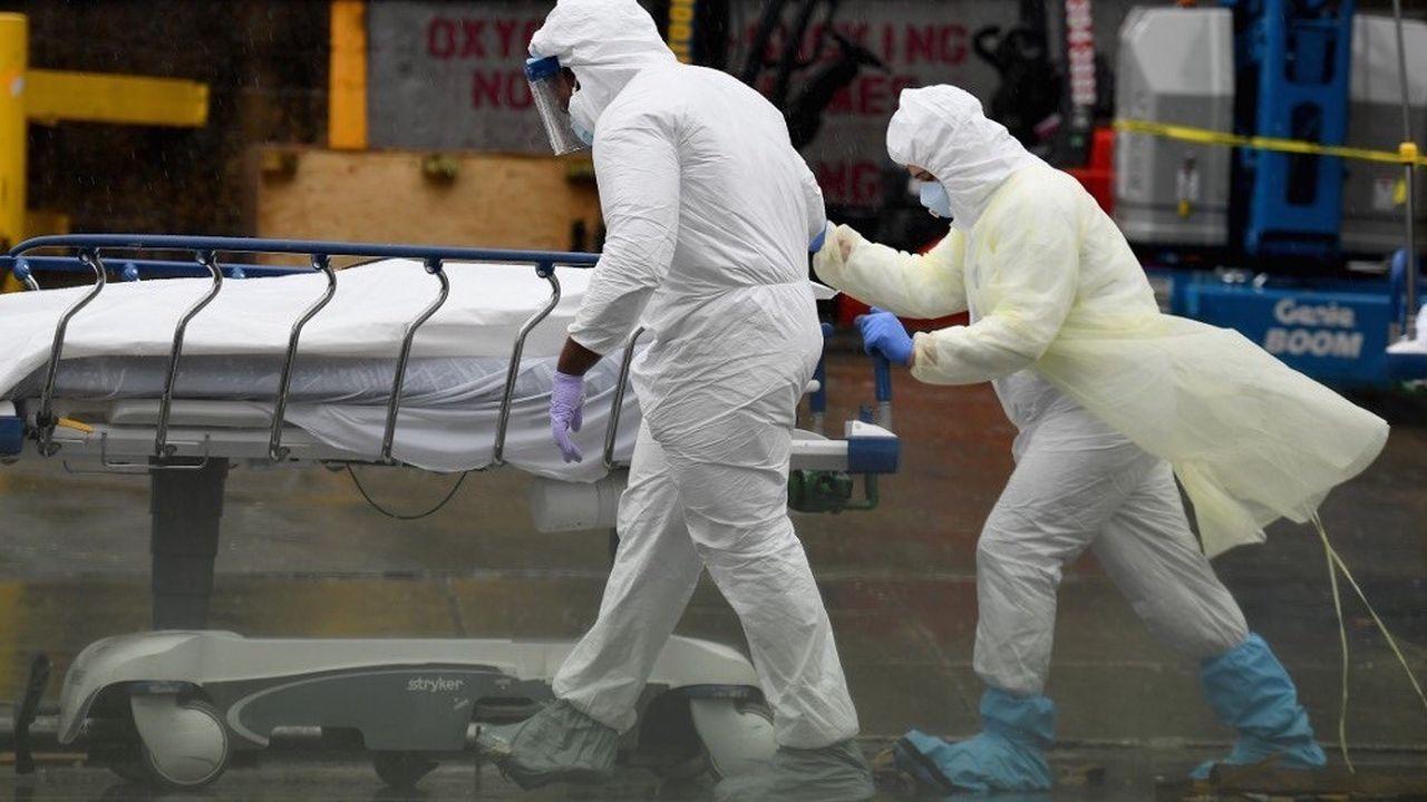Les 7 et 8avril, les Etats-Unis ont enregistré près de 2.000 nouveaux décès quotidiens.