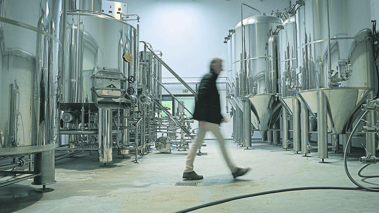 Les ventes de bière en France se sont effondrées de 35% depuis la mi-mars avec la fermeture des cafés et l'annulation de tous les événements sportifs et festifs.