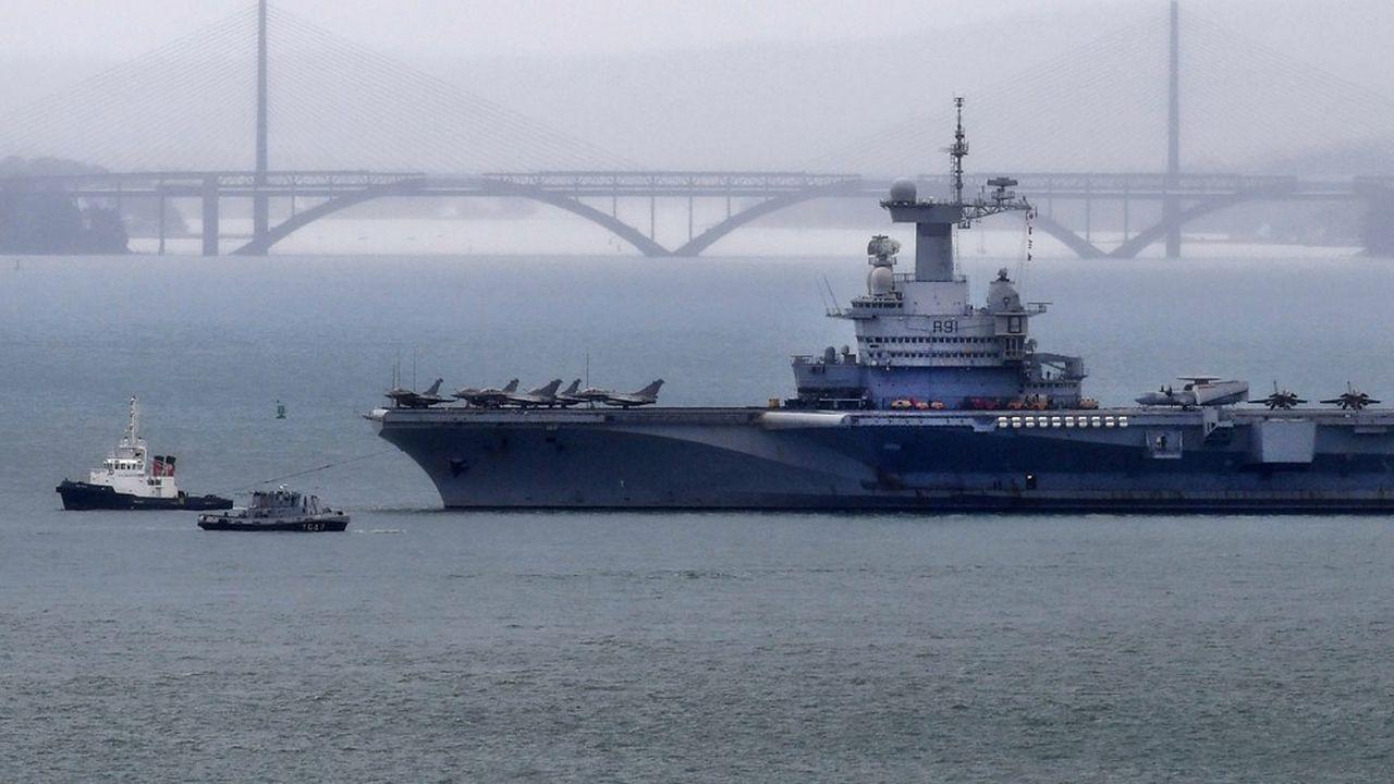 Le porte-avions Charles-de-Gaullen'a pas mis pied à terre depuis sa dernière pause à Brest, du 13 au 15mars (photo).