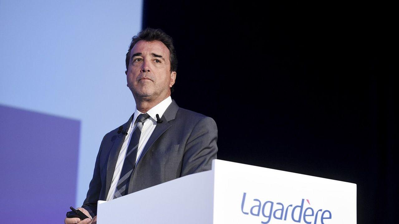 Arnaud Lagardère a le statut d'associé commandité et de gérant de la commandite à la tête de son groupe.