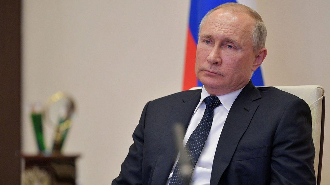 Coronavirus : Macron et Poutine évoquent une réunion des cinq