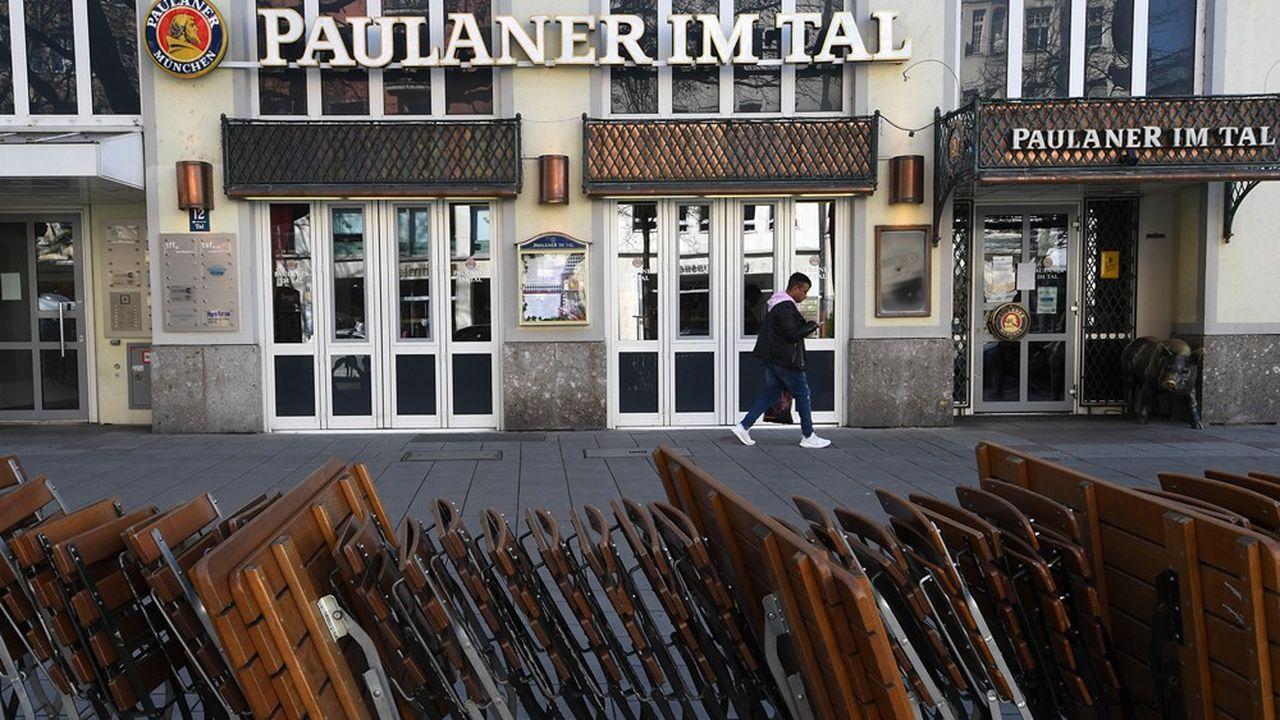 Fermés depuis la mi-mars, les restaurants et hôtels bavarois pourraient rester portes closes au-delà du 19avril, a prévenu le président de la région, Markus Söder