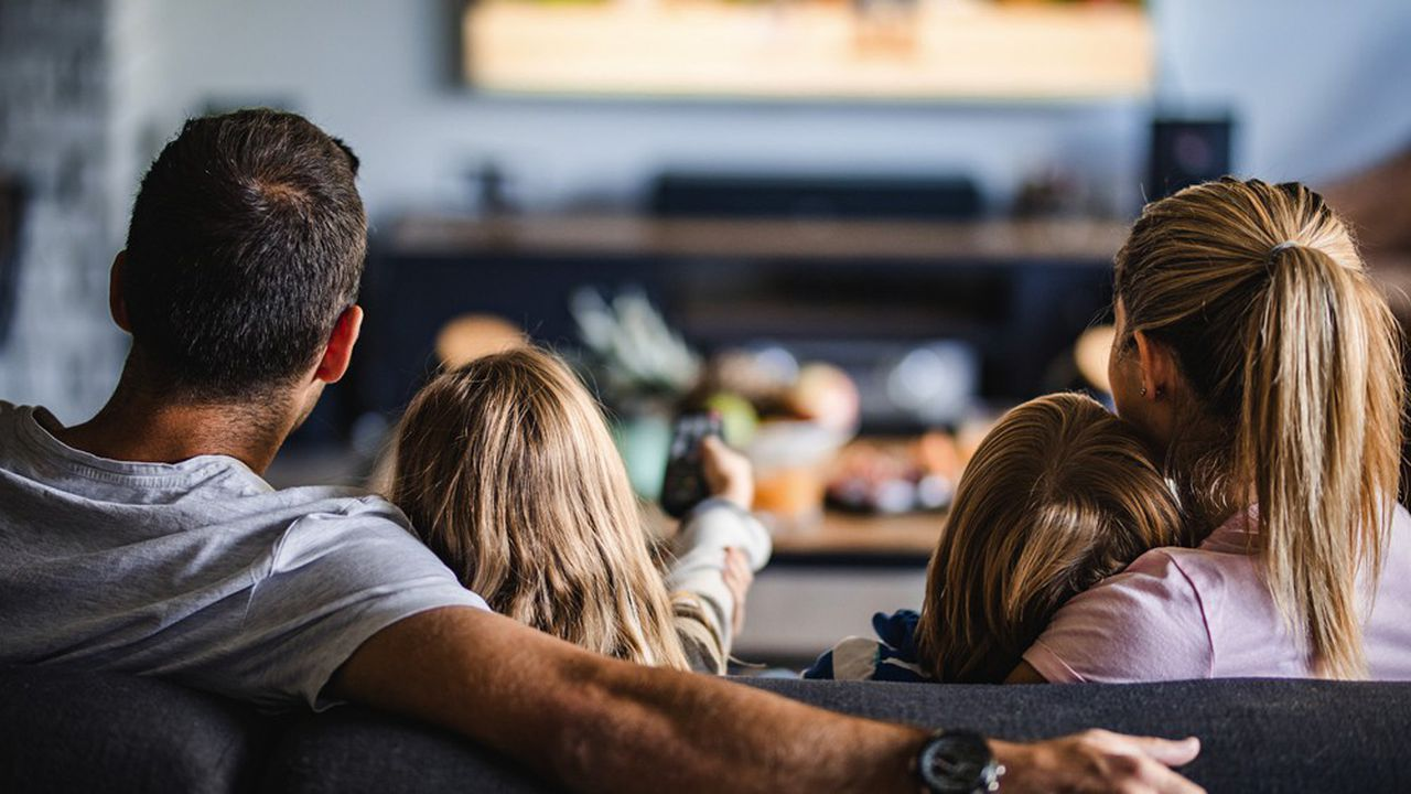 La durée d'écoute de la télévision a explosé avec le confinement.