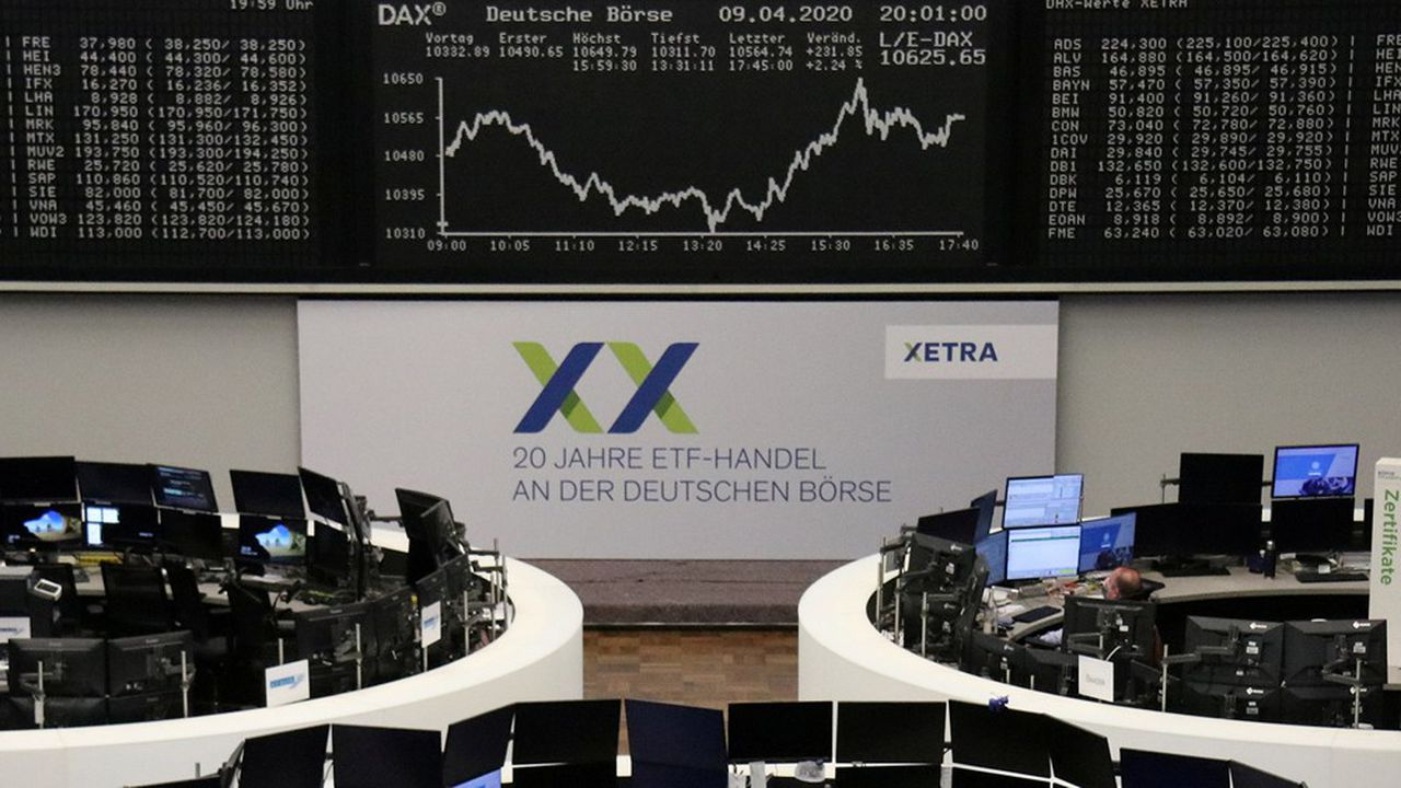 Alors que plus de 20milliards d'euros ont quitté les fonds indiciels cotés (ETF) européens au cours du mois de mars, un record historique, les fonds ESG affichaient une collecte nette d'un milliard d'euros.