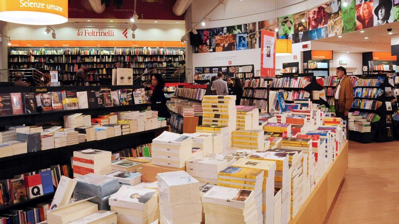 Une librairie Feltrinelli a Rome. Fondée en 1954 - à Milan - par Giangiacomo Feltrinelli, la maison d'édition Feltrinelli est l'une des plus célèbres d'Italie.
