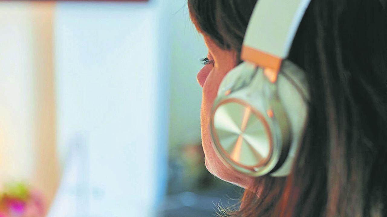 Chez Audiolib, la filiale de livres audio d'Hachette Livre, les ventes de livres sont en hausse de 50%.