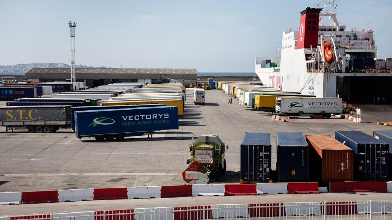 Le gouvernement a renforcé son aide au profit des entreprises exportatrices en promettant aux assureurs-crédit d'augmenter sa garantie de 2 à 5milliards d'euros.