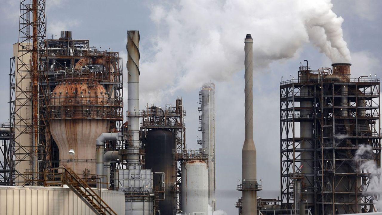 «Malgré cette nouvelle trajectoire, Shell consacre toujours 95% de ses investissements aux hydrocarbures», déplore Mark van Baal, de l'association Follow This.