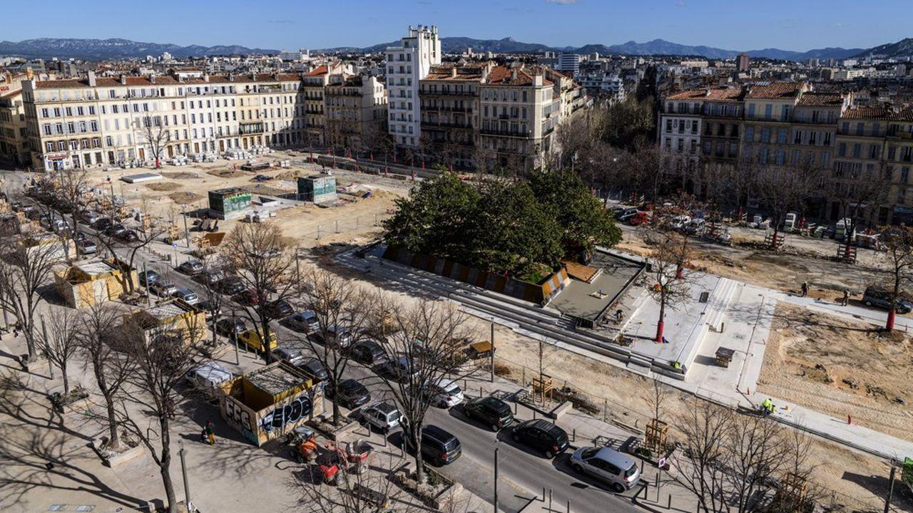 Mercredi dernier, une soixantaine des 2.000 chantiers du groupe de travaux publics NGE (12.400 salariés) avaient redémarrés et 80 supplémentaires sont programmés pour cette semaine.