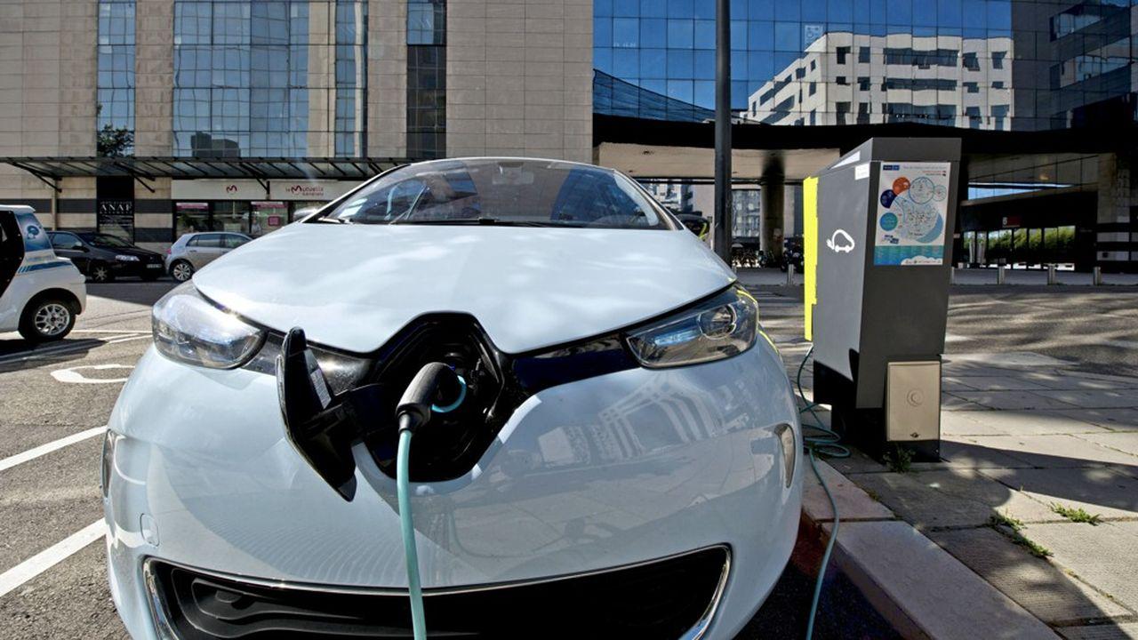 Renault Zoe, modèle pionnier de véhicule électrique, peut être déniché aujourd'hui sur le marché d'occasion.