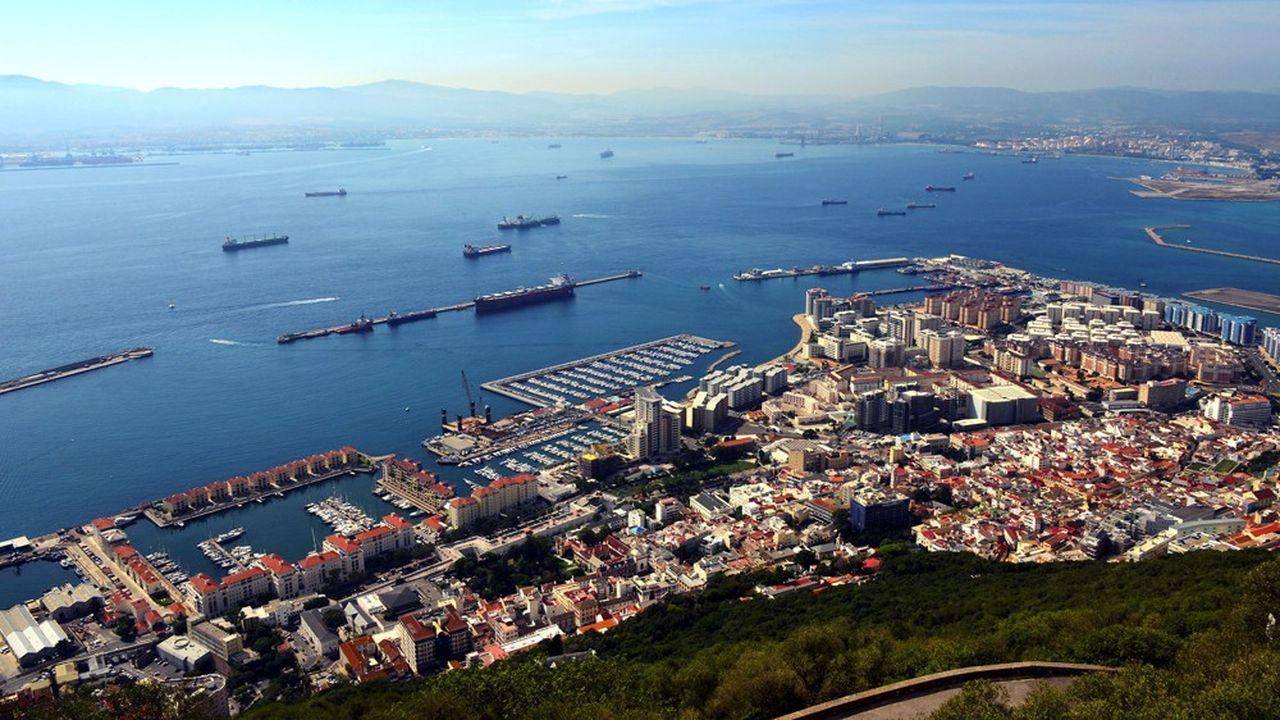 Gibraltar est un véritable paradis pour les compagnies d'assurances: on en compte 45 aujourd'hui, soit une pour 700 habitants environ, contre une pour 220.000 habitants en France.