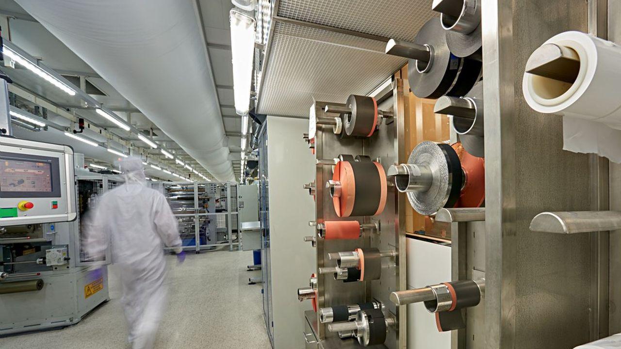 Salle anhydre (à très faible taux d'humidité) pour fabriquer des accumulateurs Li-ion utilisés dans les batteries.