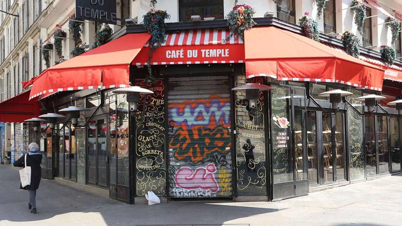 A part les dépenses contraintes telles que les loyers, les abonnements Internet et mobile, les assurances et l'alimentation, les Français ne peuvent guère dépenser pendant le confinement.