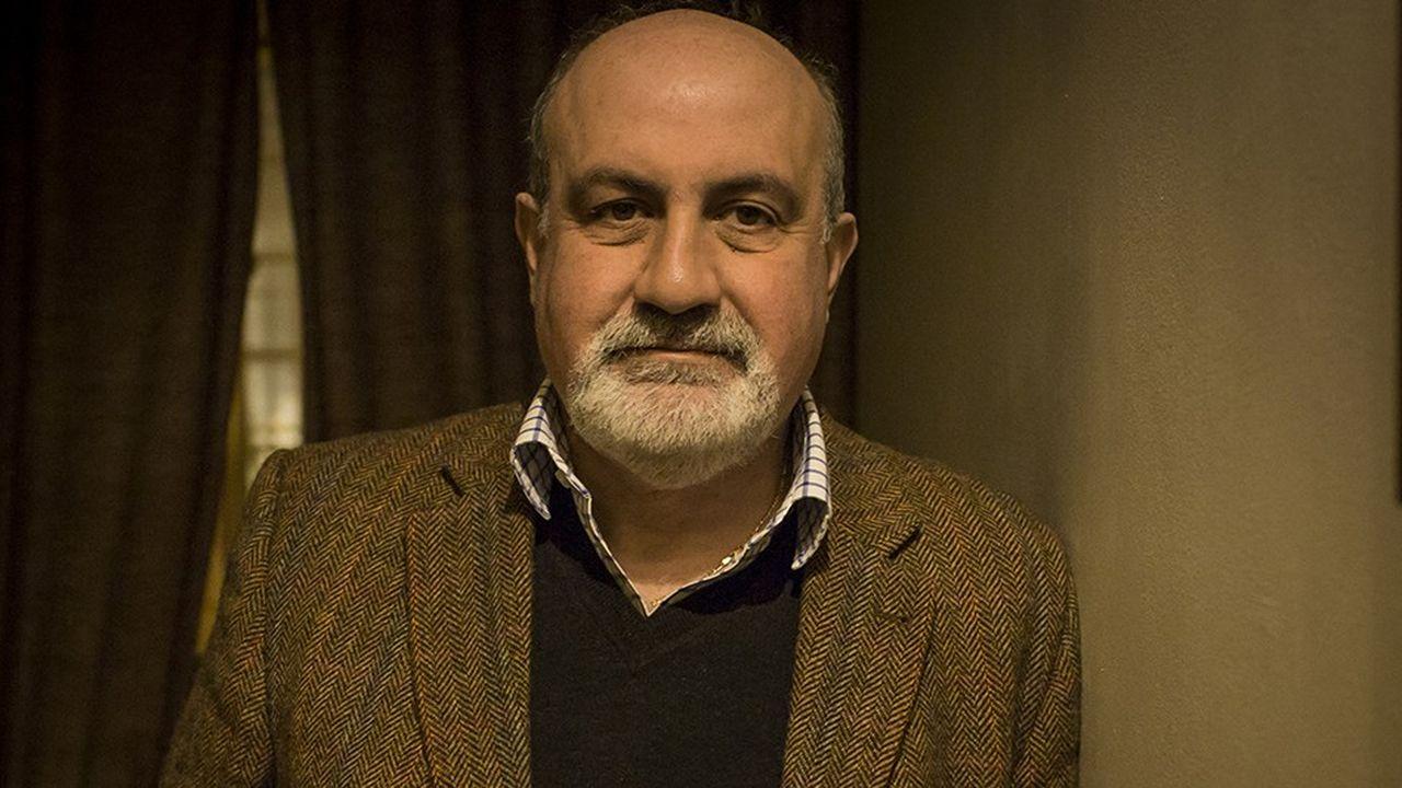 Depuis la sortie de son livre Le Cygne noir, Nassim Taleb (ici à Paris en 2018) est une sorte de gourou de l'aléatoire, un expert de la gestion des risques extrêmes.