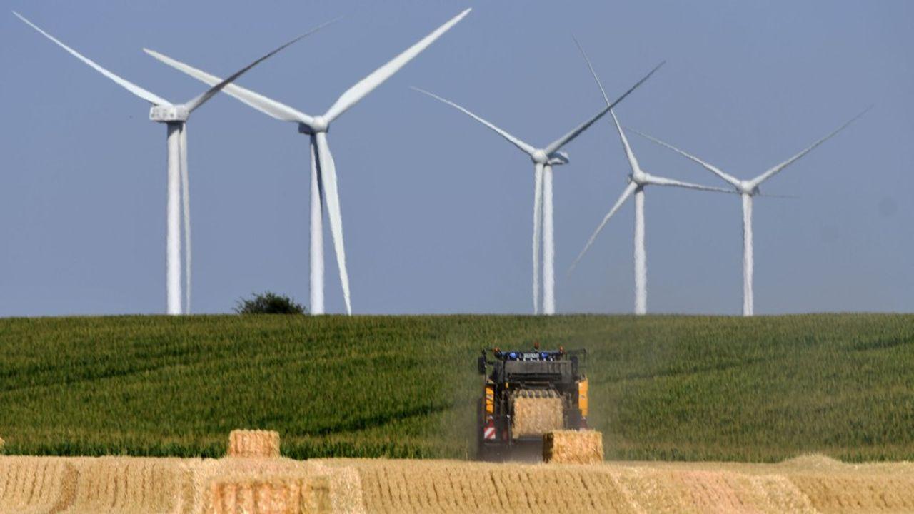 Les partisans d'une transition énergétique, notamment fondée sur le développement des énergies renouvelables, espèrent voir le climat au coeur de la relance économique. Mais ils risquent de se heurter à la tentation du retour au 'business as usual'.