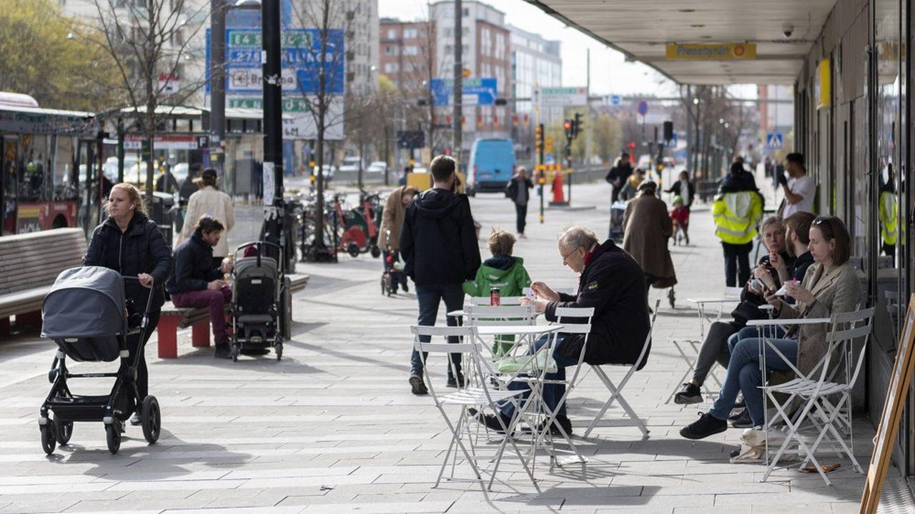 La vie n'a guère changé à Stockholm ou les autorités n'ont pas souhaité imposer des mesures de confinement à la population