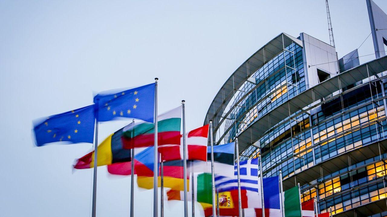 A Strasbourg, l'imposant bâtiment circulaire abrite l'hémicycle du Parlement européen.