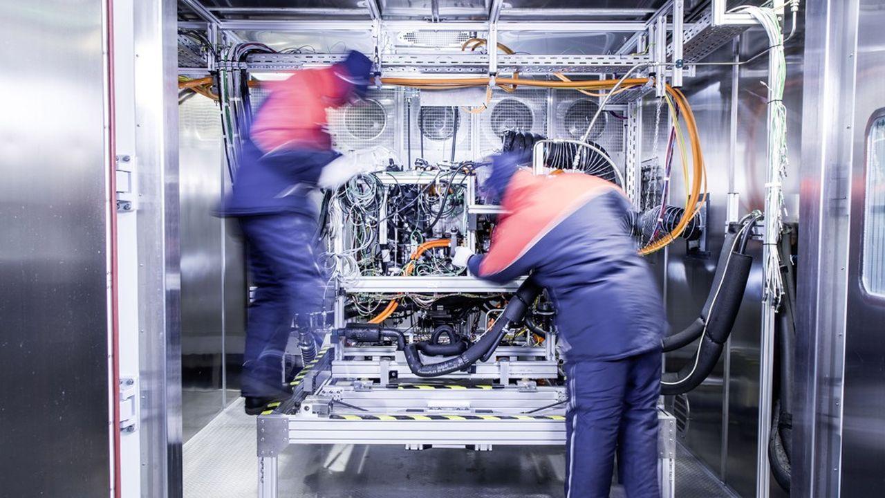 Les activités de Mercedes-Benz GLC F-CELL (ici un banc de test à Nabern, en Allemagne) seront apportées à la coentreprise.