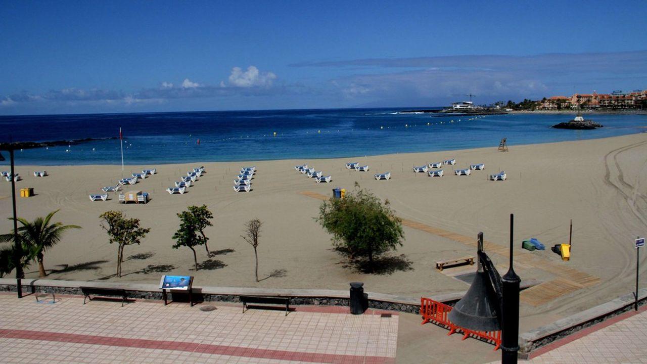 Pour sauver le secteur du tourisme en Europe (ici une plage en Espagne), le Commissaire européen estime «qu'il faudra consacrer de l'ordre de 20% de toute l'enveloppe dédiée à la relance de l'économie, qui pourrait atteindre quelque 1.500milliards d'euros si on y consacre 10% du PIB européen.»