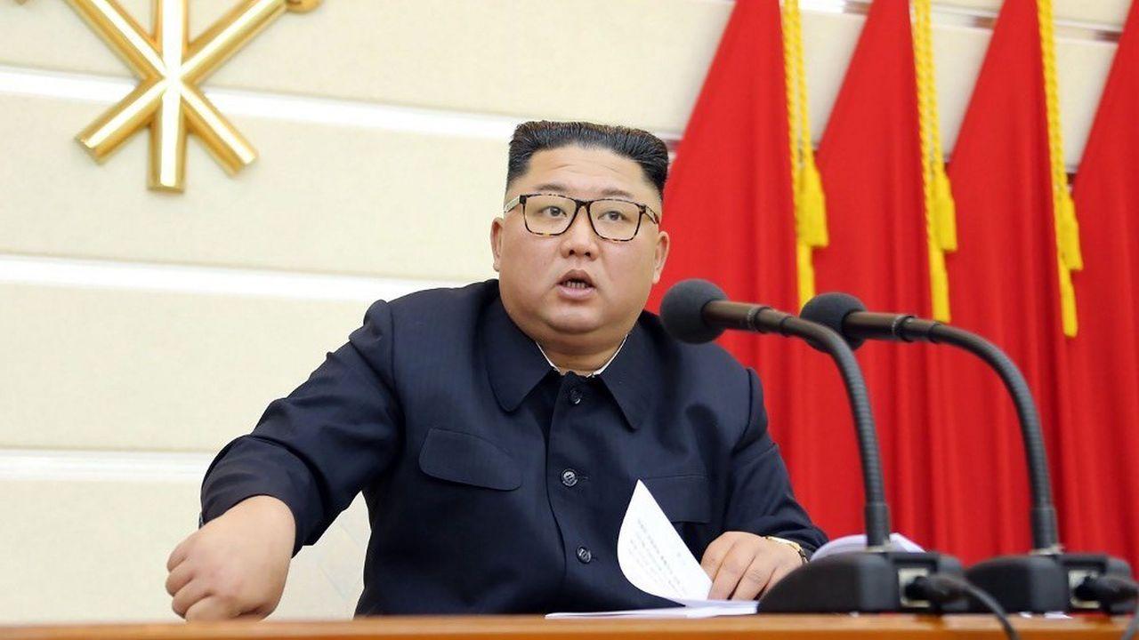 Le leader nord-coréen, Kim Jong-un, aurait récemment subi une intervention chirurgicale pour des problèmes cardiaques.