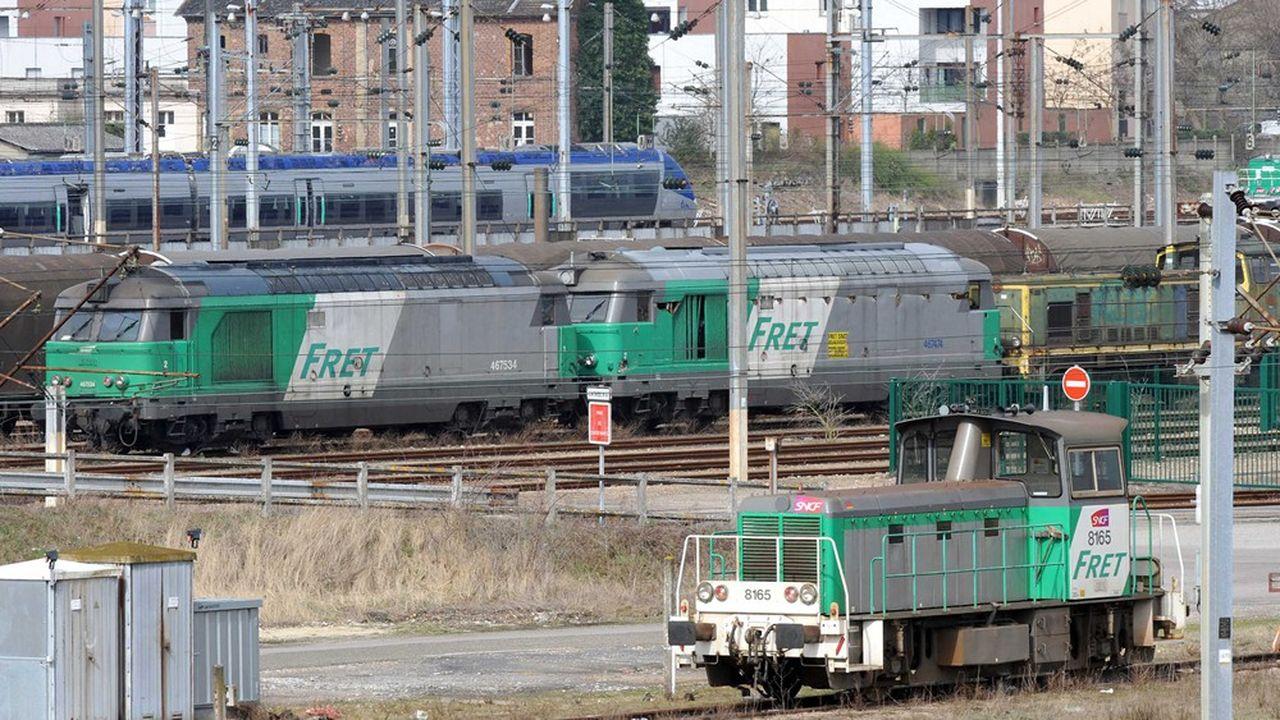 En doublant la part du fret ferroviaire sur 10ans, ce sont près de 8 millions de tonnes de CO2 émises en moins en 2030.
