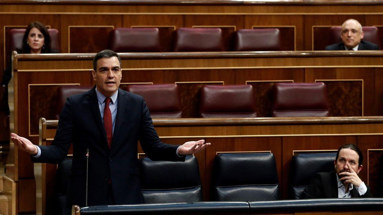 Pedro Sánchez a fait approuver par le Parlement le prolongement de l'état d'alerte jusqu'au 9mai prochain.