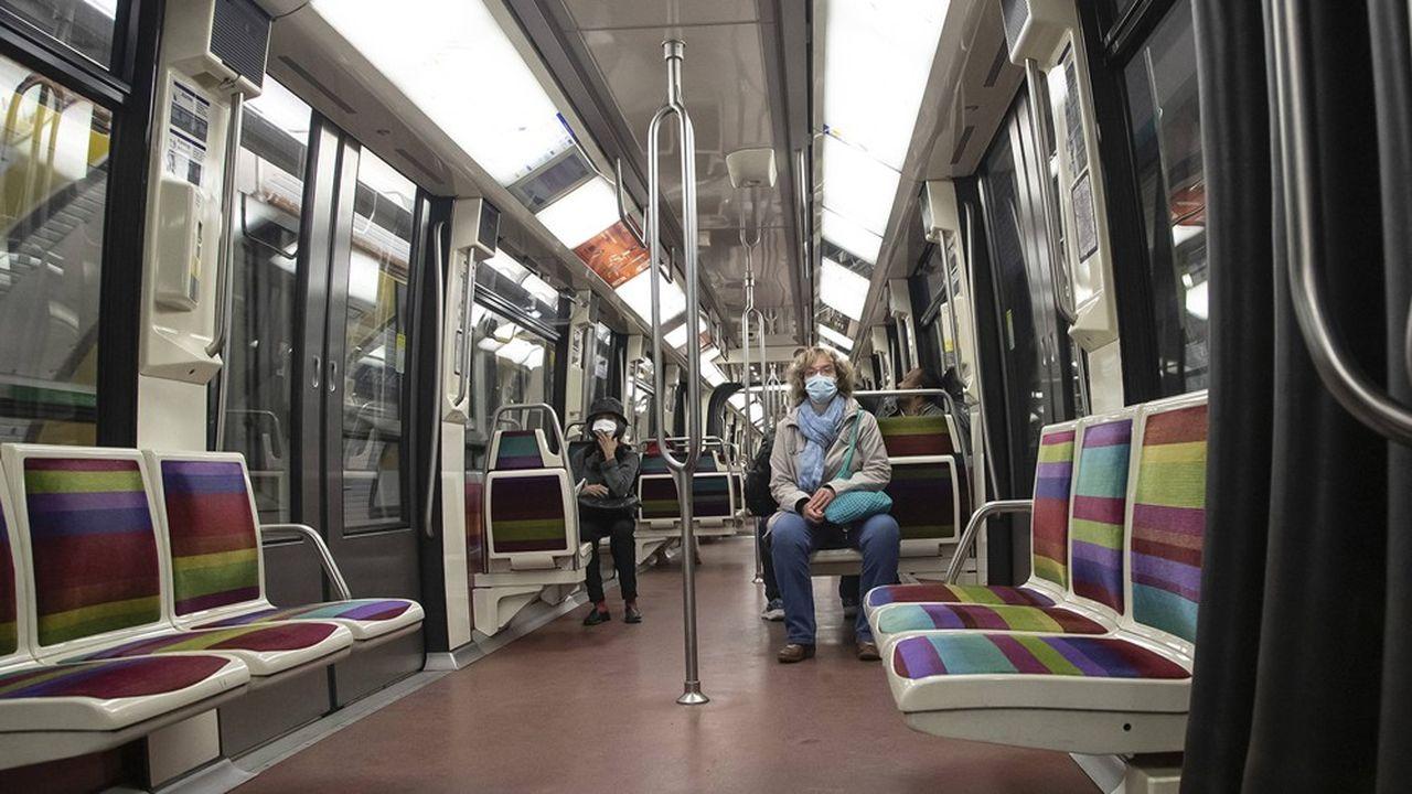 La RATP ne transporte actuellement que 4% de ses passagers habituels, pour une offre de transport de 30% en moyenne. Le 11mai s'annonce comme un énorme défi.