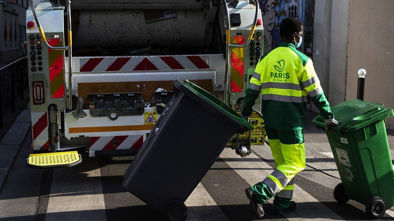 Le groupe Derichebourg a en charge la collecte des déchets et le nettoiement des voiries d'une grande partie du territoire de Seine-Saint-Denis.