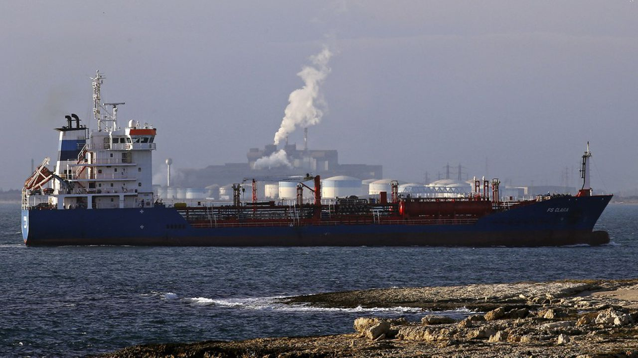 Un tanker pétrolier à la Fos-sur-Mer, près de Marseille.